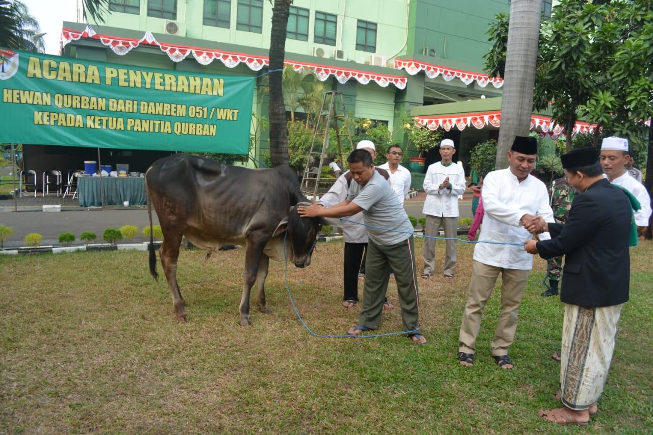 Korem 051 Wkt Laksanakan Sholat Idul Adha Dan Sembelih Hewan