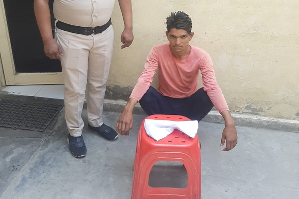 faridabad-crime-branch-sector-56-arrested-accused-illegal-weapon
