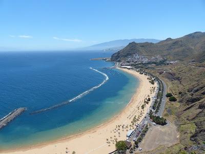 San Andrés auf Teneriffa mit der Playa de las Teresitas