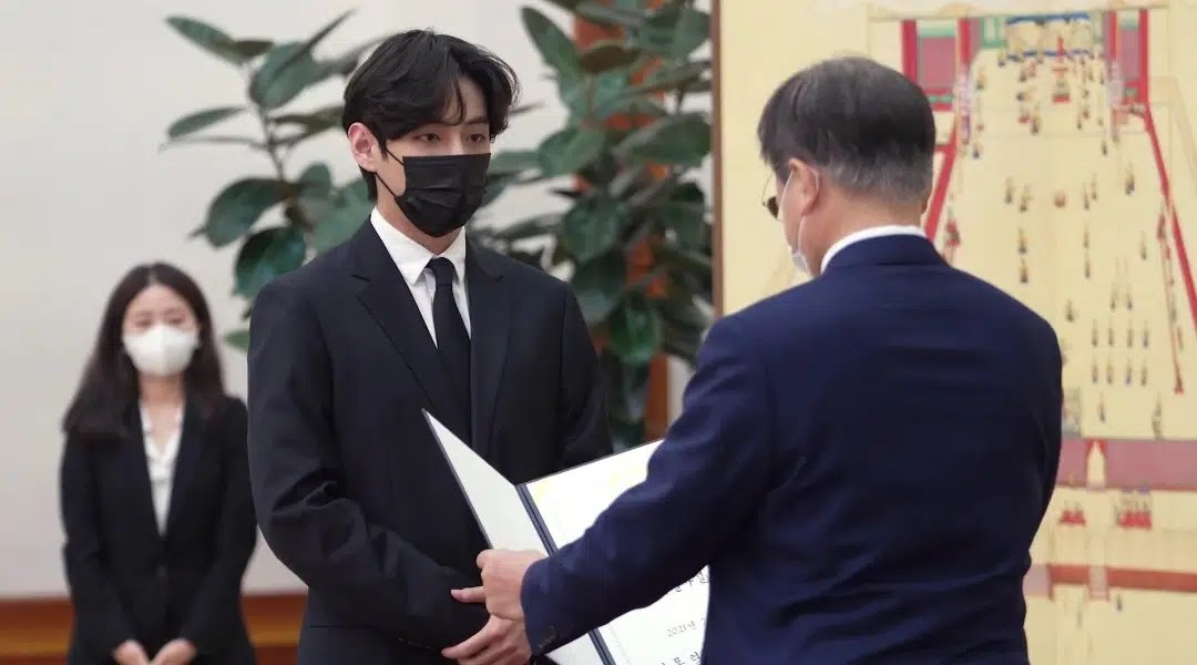 Received President Moon Jae In's Special Envoy Certificate, BTS Makes ARMY Proud