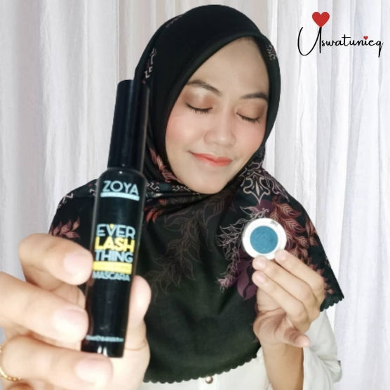 MASCARA DAN EYESHADOW ZOYA COSMETICS