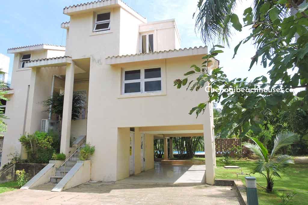 beach villa for rent in uthandi