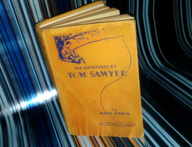 Thrift Used Book Haul : 5 books for a $1 | March 2017 book blogger Adventures of Tom Sawyer