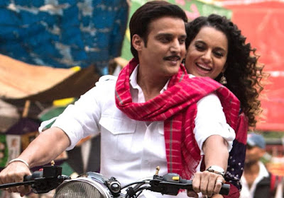 Jimmy Shergill as Raja in Tanu Weds Manu, Kangana Ranaut as Tanu, riding a bike, Directed by Anand Rai