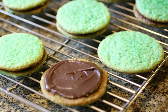 Mint-Chocolate Sandwich Cookies on a cooling rack