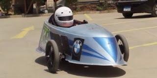"""بالفيديو.. بالبنزين والكهرباء.. سيارة سباق """"هجينة"""" فى هندسة عين شمس"""