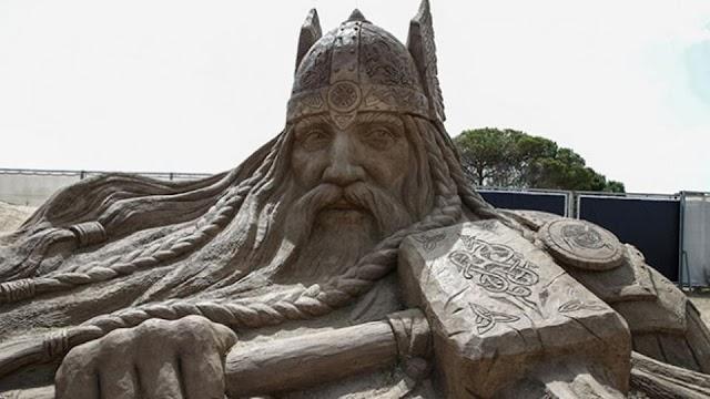 السياحة في تركيا أنطاليا - الأساطير البحرية تفتتح مهرجان أنطاليا للتماثيل الرملية