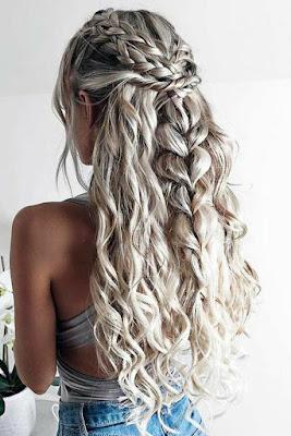 O cabelo encaracolado é um dos mais bonitos pela sua textura e pelo seu volume. Os penteados para cabelos cacheados são lindos.