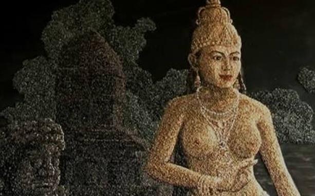 Ken Dedes Sang Prajnyaparamitha atau Ardhanareswari?