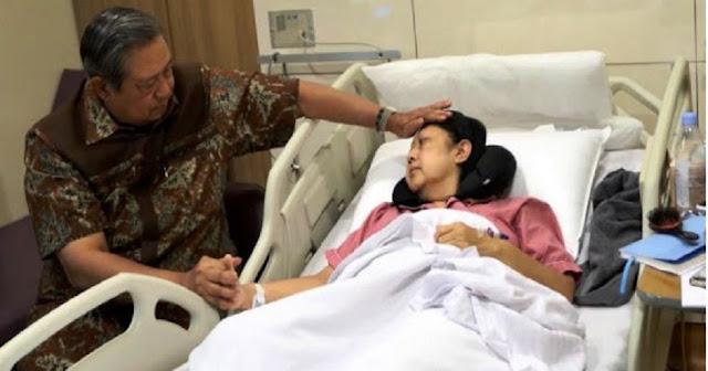 Ani Yudhoyono Tak Sadarkan Diri