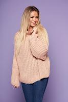 Pulover SunShine roz prafuit cu croi larg din material tricotat cu maneci lungi • SunShine