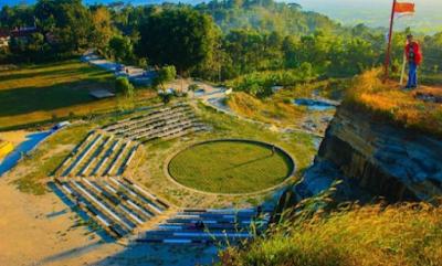 Menikmati Sunset Dan Sunrise Diatas Tebing Breksi Yogyakarta