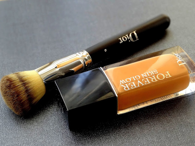 Dior Forever Skin Glow Foundation And Backstage Full Coverage Liquid Foundation Brush No.12 Review, photos, Swatches