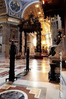 baldaquino bernini sao pedro catedra roma - Cinco obras de arte da Basílica de São Pedro