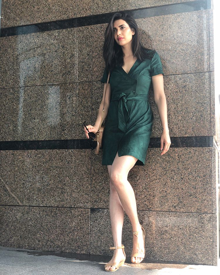 Hot Photos Actress Collation Karishma Tanna