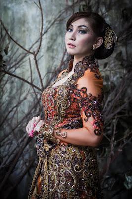 foto model hijabers cantik foto model hijab di taman h&m foto model