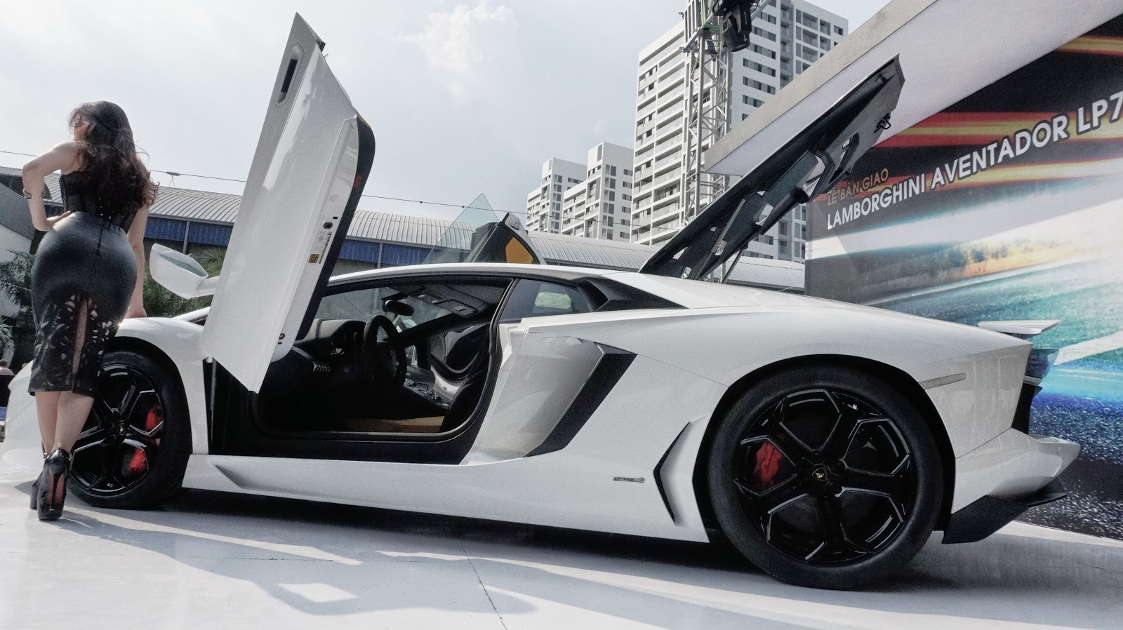 Siêu xe Lamborghini Aventador LP700-4