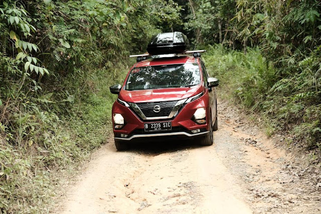 Nissan Livina ainda vive! Preview-928x522
