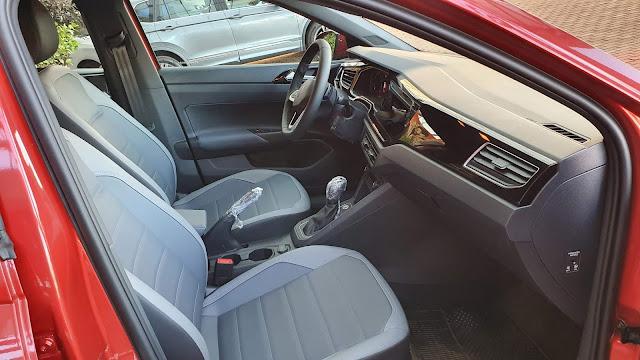 Volkswagen Nivus Highline - interior