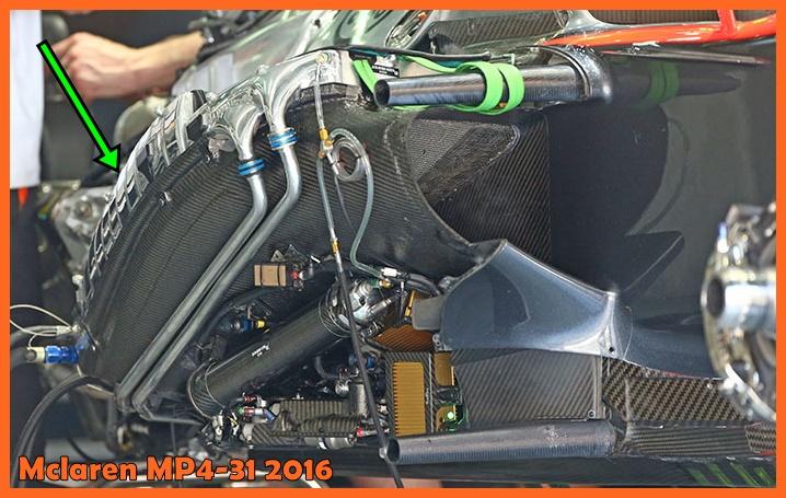 Immagine 2 - L'intercooler aria aria installato nella pancia destra della MP4-31