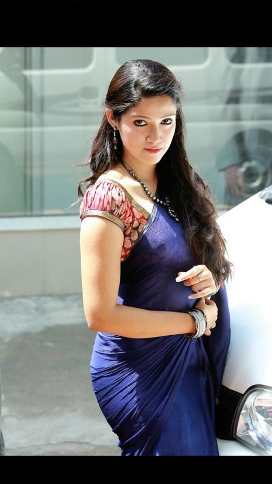 Abhirami Suresh latest hot photo shoot « Mallufun com