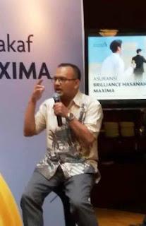 pak grd imam rullyawan dari dompet dhuafa menjelaskan manfaat wakaf melalui asuransibrilliance hasanan maxima nurul sufiri