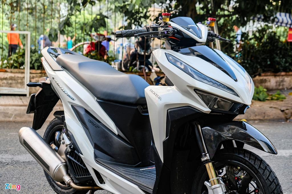 Biker Đồng Tháp chi hơn 100 triệu để lột xác Honda Vario 150