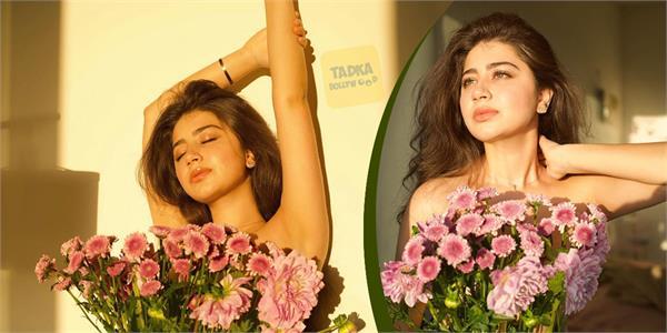 चर्चा में इश्तिा की बेटी रुही का ये अंदाज, बाॅडी को फूलों से ढक दिखाईं कातिलाना अदाएं