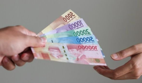 8 Arti Mimpi Memberi Uang Menurut Islam Lengkap Dengan Maknanya