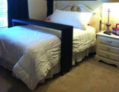 Arte f cil na web aparador para cama com rodinhas - Mesa auxiliar para cama ...