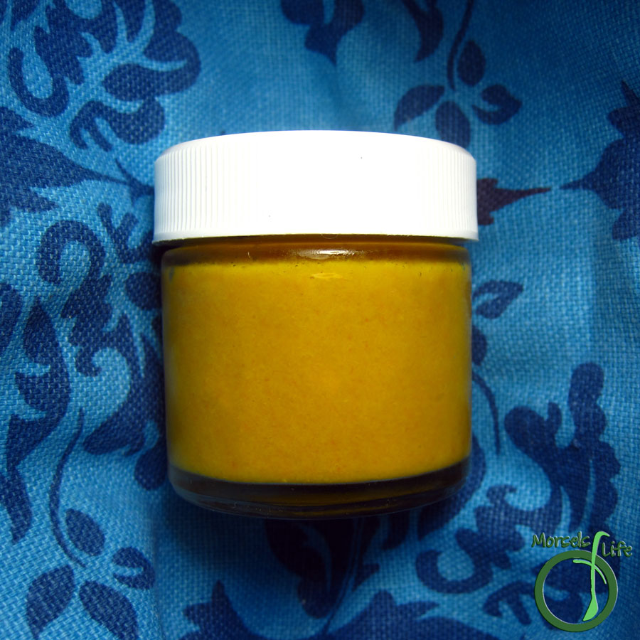 Morsels of Life - Asian Ginger Carrot Dressing - A tangy Asian ginger carrot dressing with the sweet spice of ginger, the satisfying savoriness of soy sauce, and smoky aroma of sesame oil.