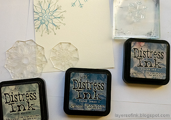 Layers of ink - Snowflake Builder Card Tutorial by Anna-Karin Evaldsson. Stamp snowflakes with Distress Ink.