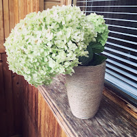 https://niftysheep.com/decorate-your-old-boring-vase-with-jute-twine
