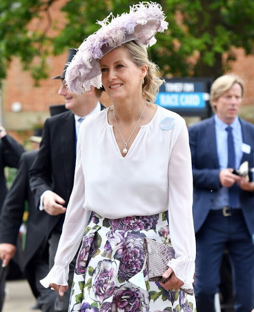 The Countess wore a floral skirt by Suzannah, and white blouse by ARossGirl x Soler. The Duchess wore a chiffon dress by Fiona Clare