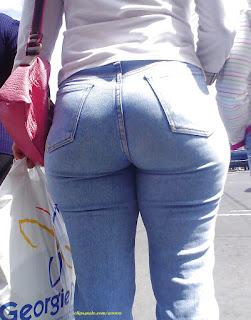 Señora pantalon entallado trasero grande redondo