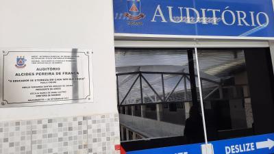 Inaugurado auditório Alcides Pereira de França na FADIMAB