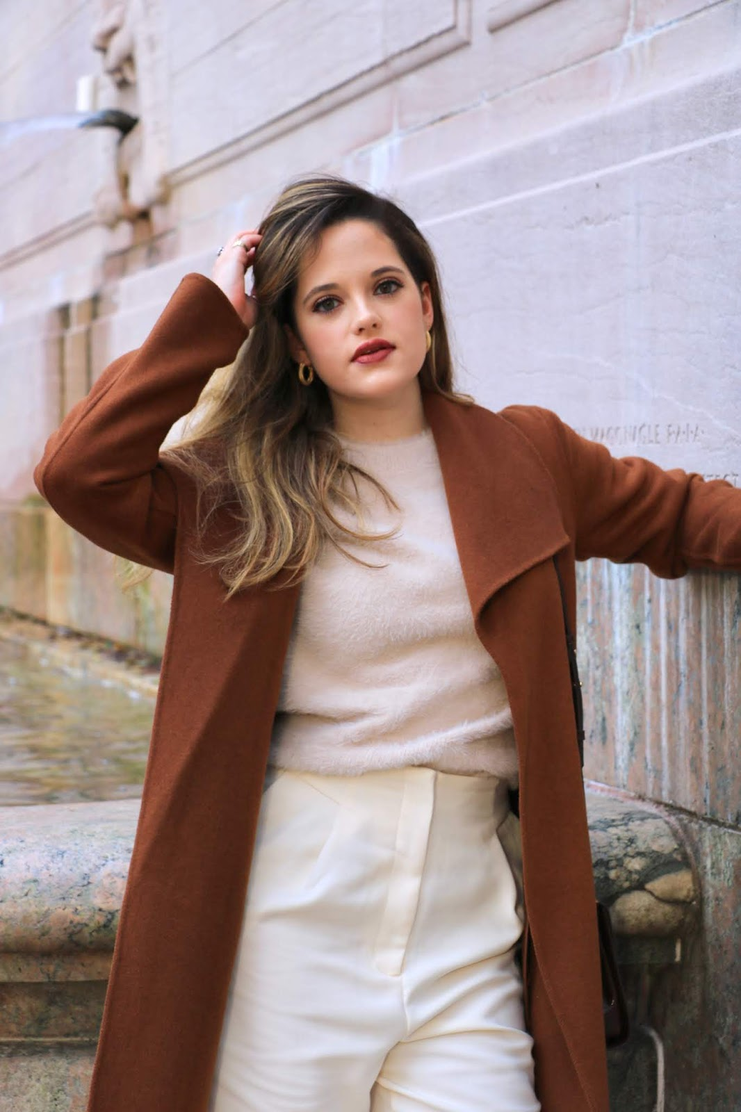 Nyc fashion influencer Kathleen Harper wearing a tonal fall outfit.