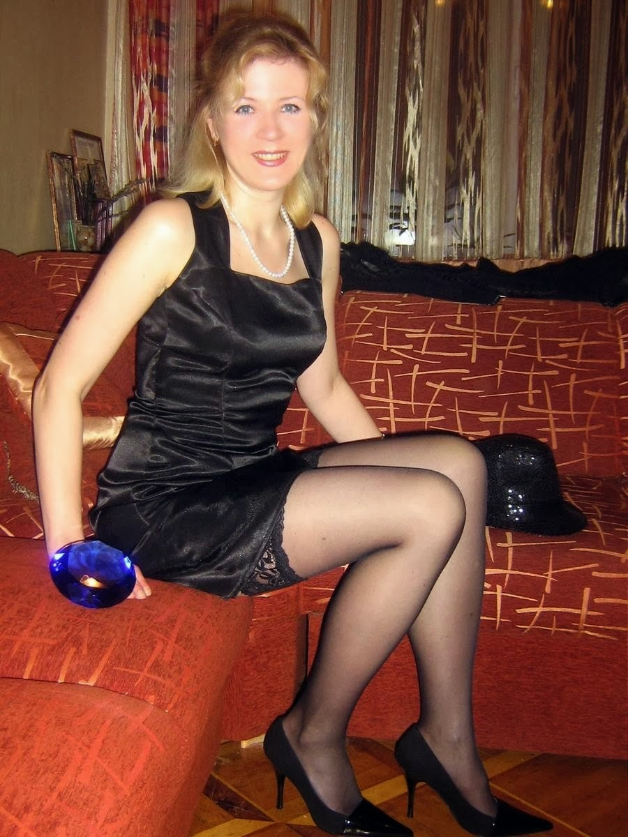 Thumbnail candid pantyhose photos very