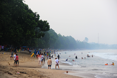 Pesona Panorama Alami Pantai Carita Banten