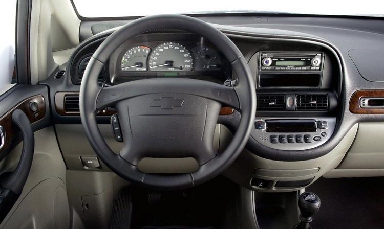 Chevrolet Rezzo içi