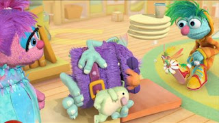 Abby's Flying Fairy School Sleeping Blöggy, Abby Cadabby, Blögg, Gonnigan, Sesame Street Episode 4408 Mi Amiguita Rosita season 44