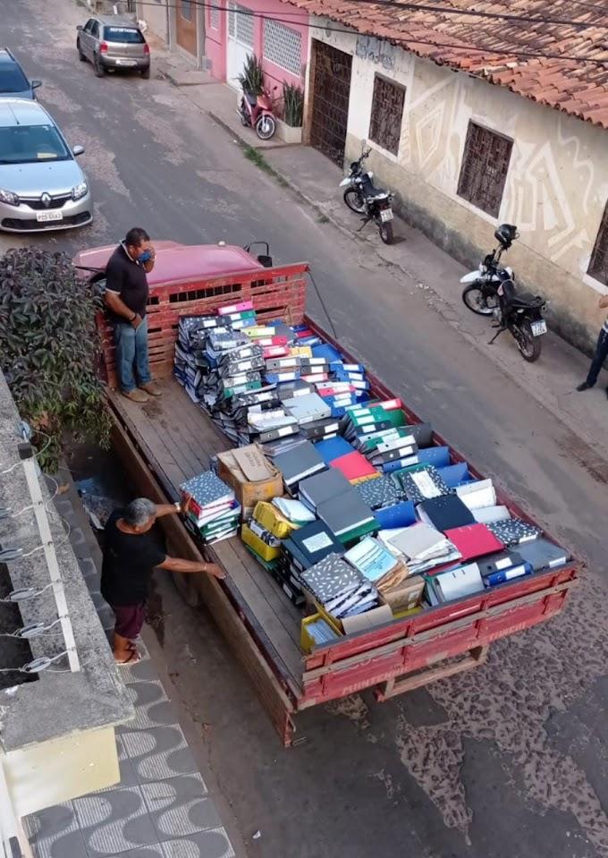 Justiça determina apreensão de pilhas de documentos da prefeitura de Chapadinha que estava em prédio particular no centro a cidade