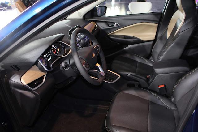Novo Chevrolet Onix 2020 - espaço interno