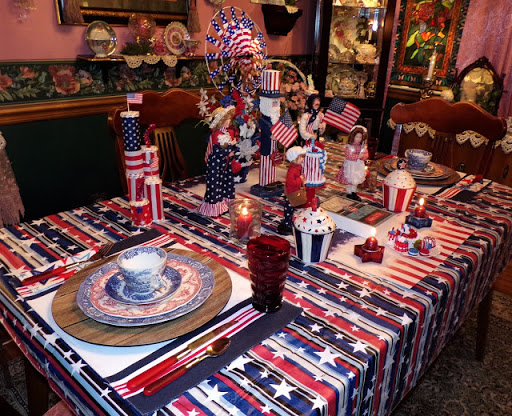 A Tail of 2 Patriotic Tablescapes