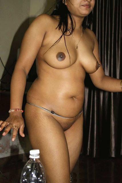 Indian Mallu Bhabhi Naghty Dress Less Naked Body Xxx Image