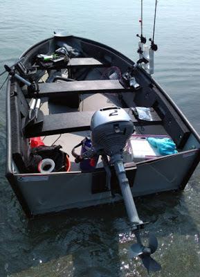 ホンダ2馬力船外機BF2DH ポータボートでの海釣りに使用