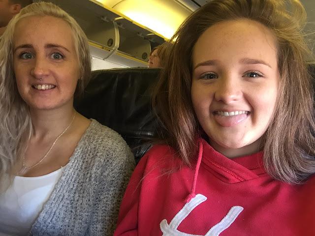 Mallorca travel diary plane selfie