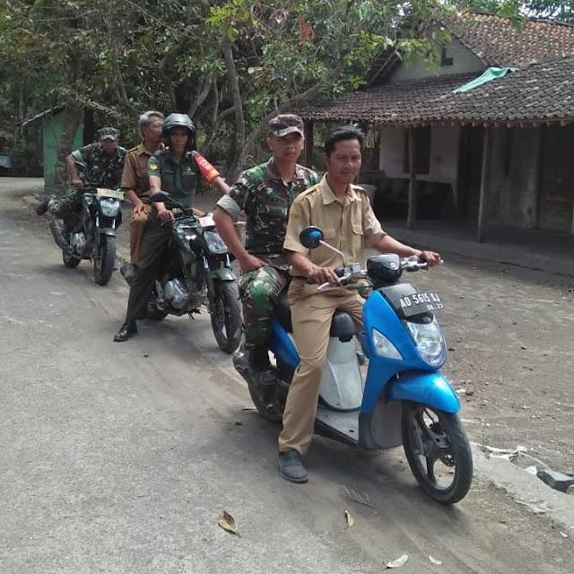 Sinergitas Babinsa Bersama Perangkat Desa Patroli Bersama