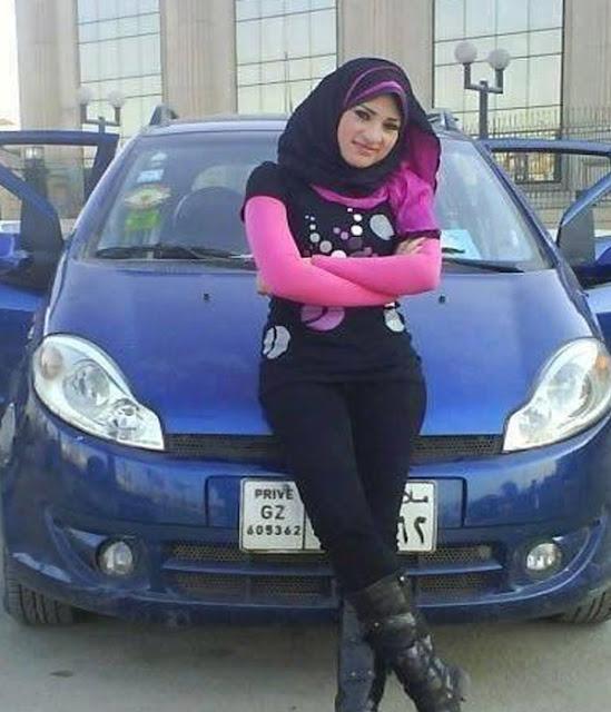 مدام مطلقة مصرية لديها سيبارة وشقة ترغب فى الزواج