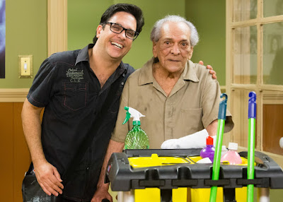 Lúcio Mauro Filho com o pai, Lúcio Mauro, que fez participação especial em episódio da 'Escolinha' em dezembro de 2015 — Foto: Tata Barreto/TV Globo